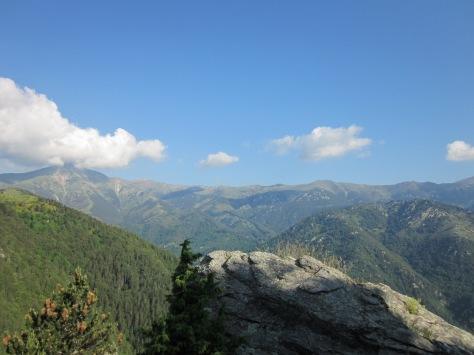 Des del mirador hi ha una preciosa vista del Costabona.