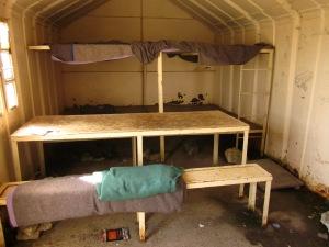 L'interior del refugi ens sorprèn amb una major amplitud de l'esperada. De ben segur, un lloc on resistir les inclemències del temps!!