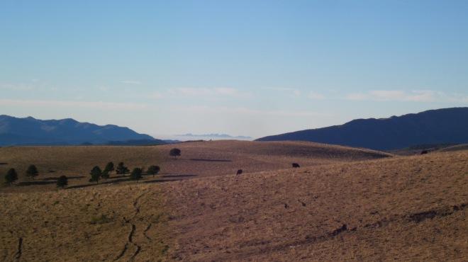Mirant cap al sud, el record del camí de Fabert, amb la silueta de Montserrat al fons!