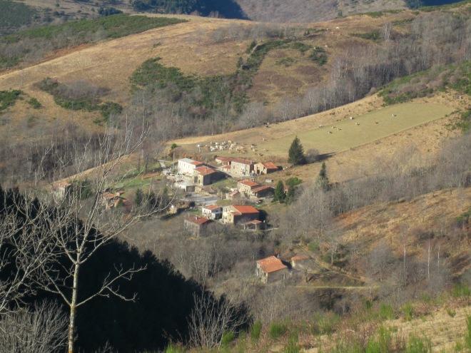 Detall del poble, en un trencadís de colors preciós!